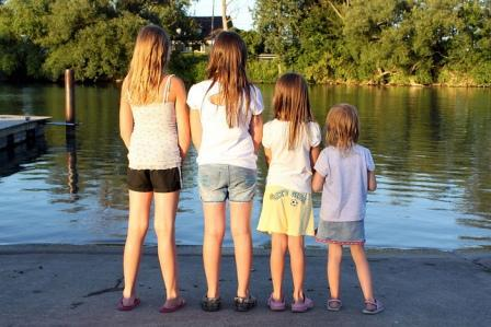 Mother's age at puberty tied to puberty timing for sons and